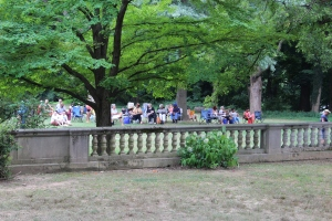 The pre-show crowd at Curtis Arboretum.
